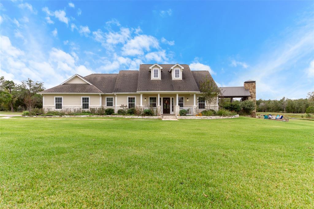 4375 Leslie Road, Fayetteville, TX 78940