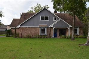 112 Collier Drive, Clute, TX 77531