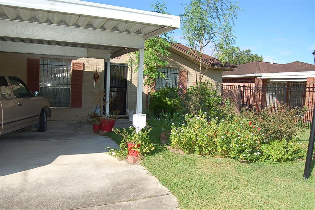 9727 Coahuila Street, Houston, TX 77013
