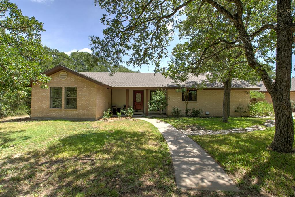 1211 County Road 205, Giddings, TX 78942