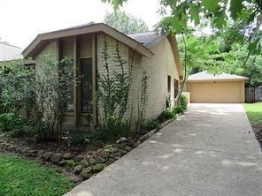 3814 honey brook drive, kingwood, TX 77345