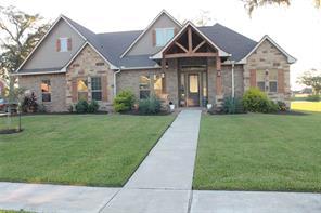 215 Arrowhead Drive, Lake Jackson, TX 77566