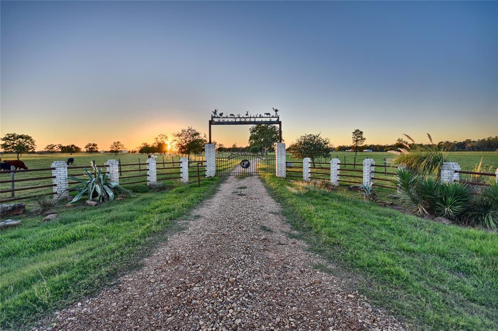 15993 Fm 1887 Road, Hempstead, TX 77445
