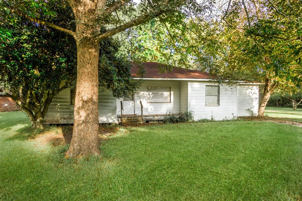 6072 Garner Road, Beaumont, TX 77708