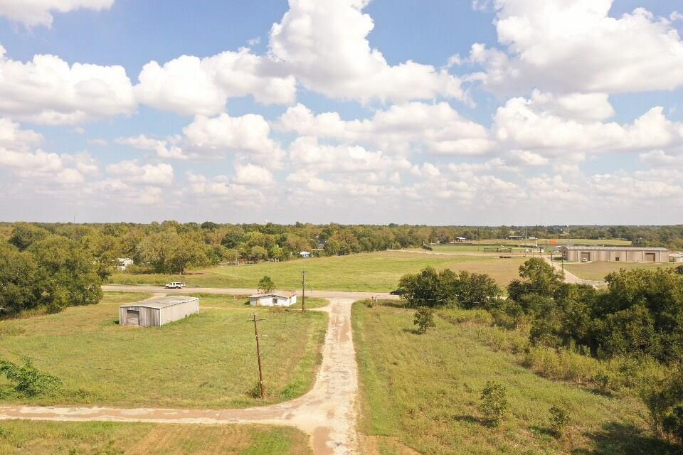 242 Highway 95, Smithville, TX 78957
