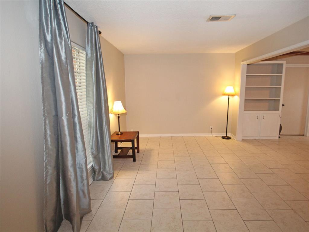 106 Buttercup Street, Lake Jackson, TX 77566
