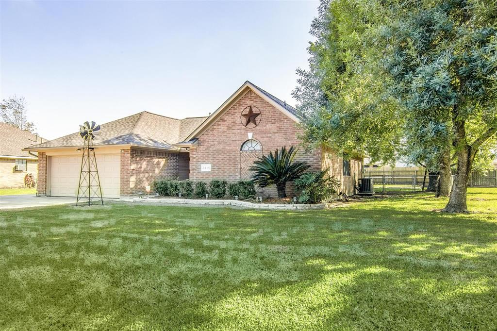 2418 Lily Lane, Highlands, TX 77562