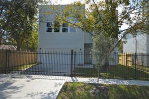 4928 paula street, houston, TX 77033