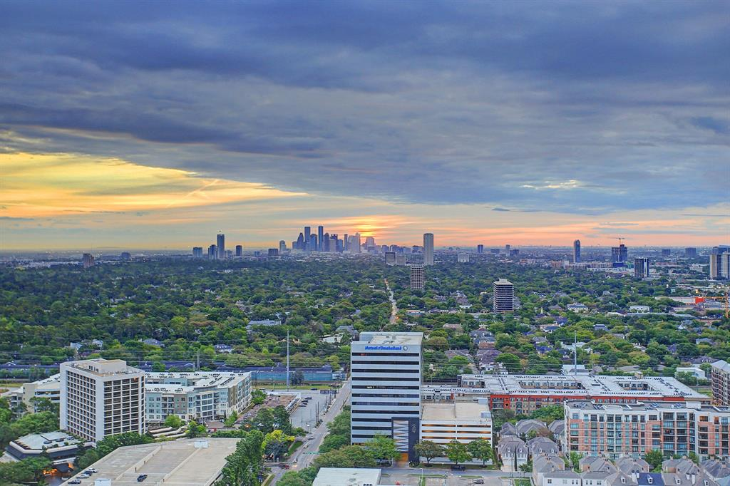 4521 San Felipe PH 2902, Houston, TX 77027