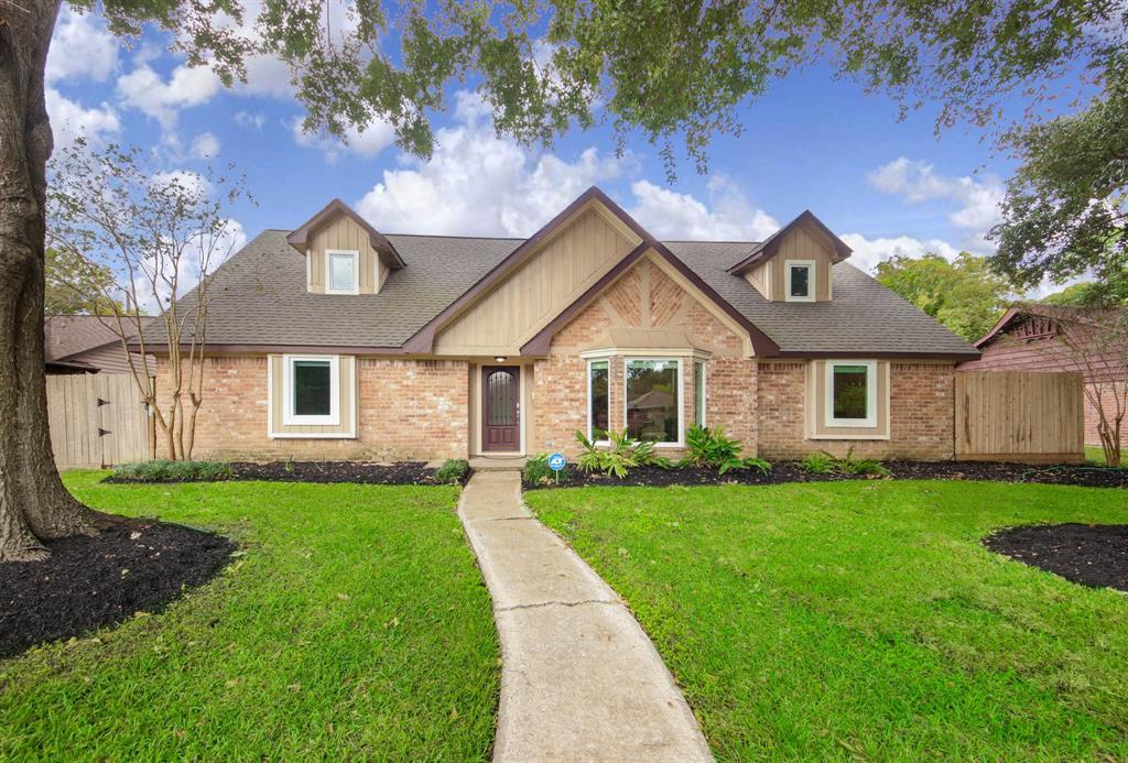 8018 Braesview Lane, Houston, TX 77071