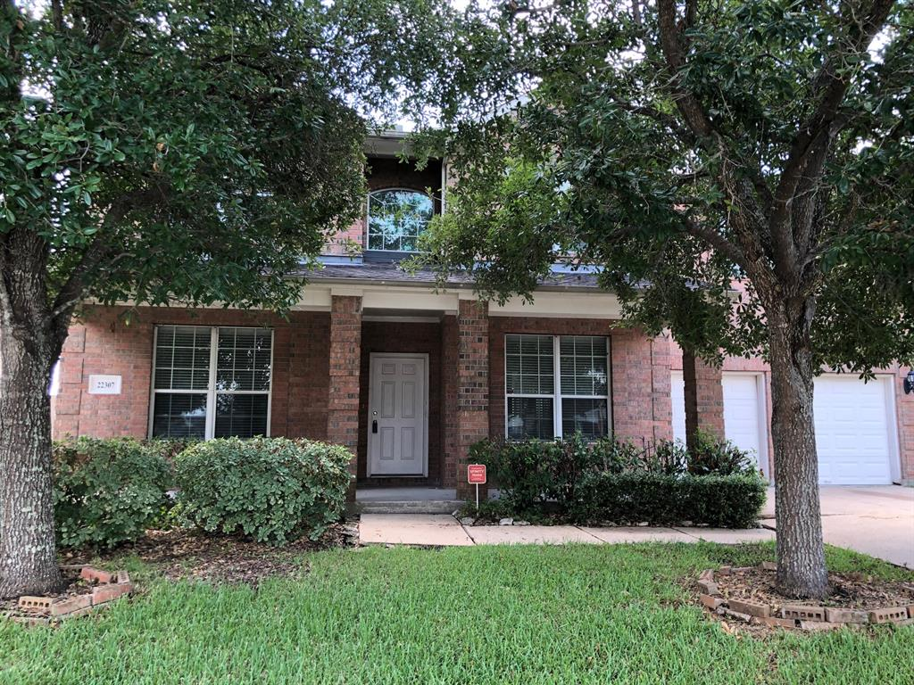 Fantastic 4 bedroom, 3 and half baths home convenient to I-69/I-59 and Grand Parkway(99). Tiled entry/ kitchen/breakfast/all baths. Spacious family room. Huge walk-in closet in master bedroom. Covered porch in back yard great for entertaining. Priced to sell !!