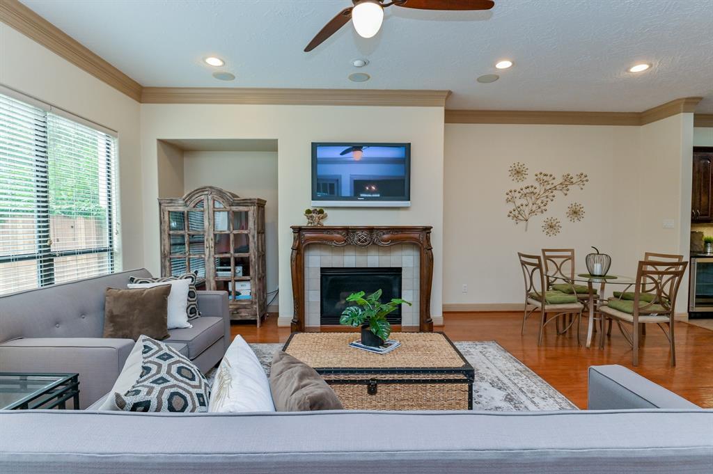 21 sweetwater court sugar land tx 77479. Black Bedroom Furniture Sets. Home Design Ideas