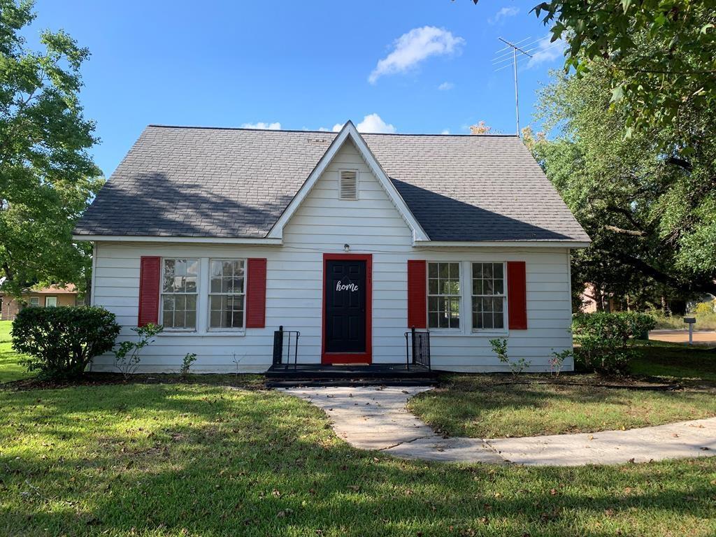 731 Houston Street, Timpson, TX 75975