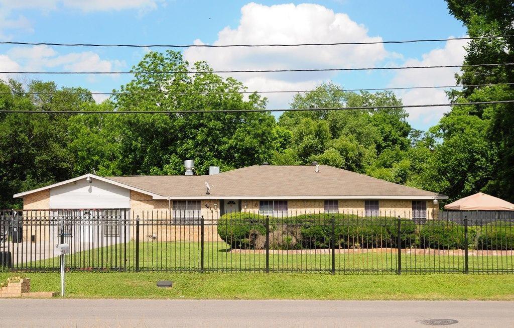 9616 Beckley Street, Houston, TX 77088