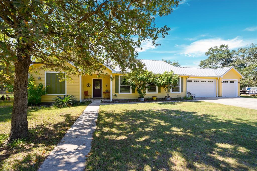 1124 Bass Road, Garwood, TX 77442