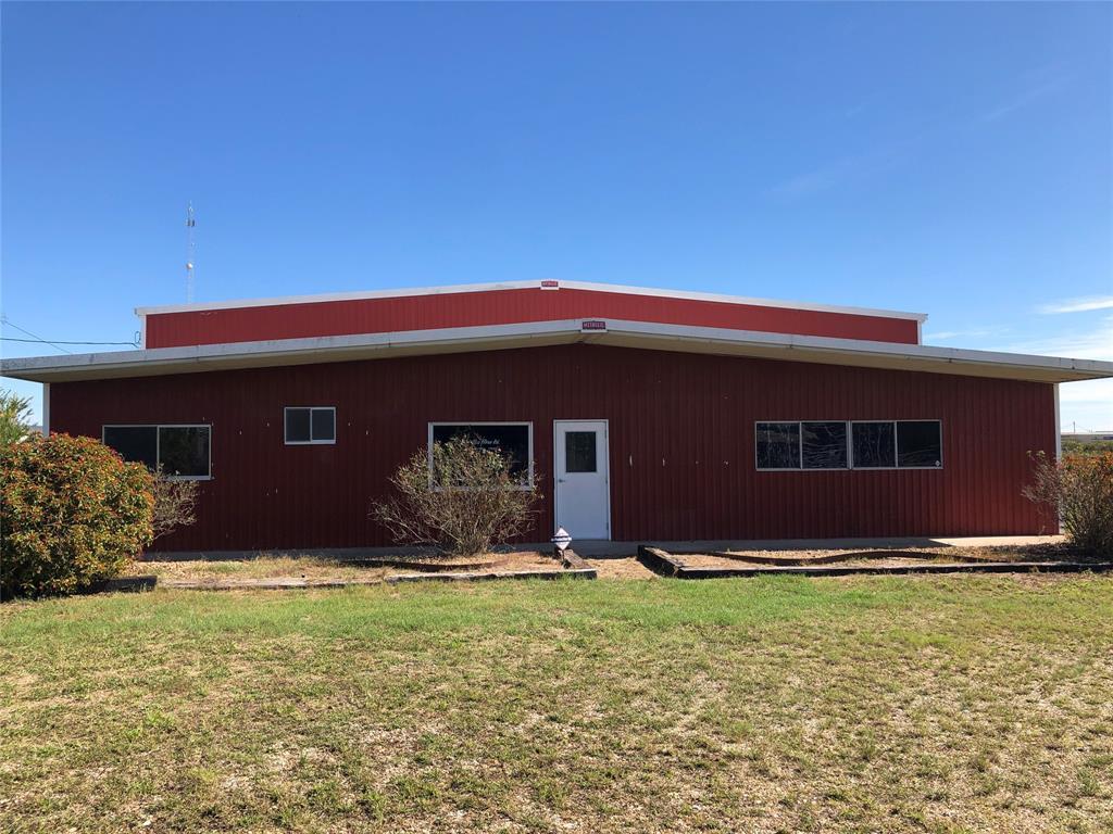 204 Glen Flora Road, Eagle Lake, TX 77434