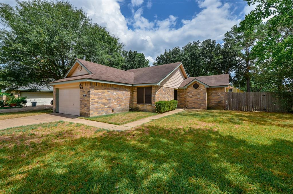 Great starter home or someone looking to downsize. Lovely 1-Story, 3 Bedroom, 2 Bath with a Family Room and a Den! Open floorpan and great for entertaining! Den can be used as a flex space too. Washer, Dryer and Fridge is included. Move-in ready home!