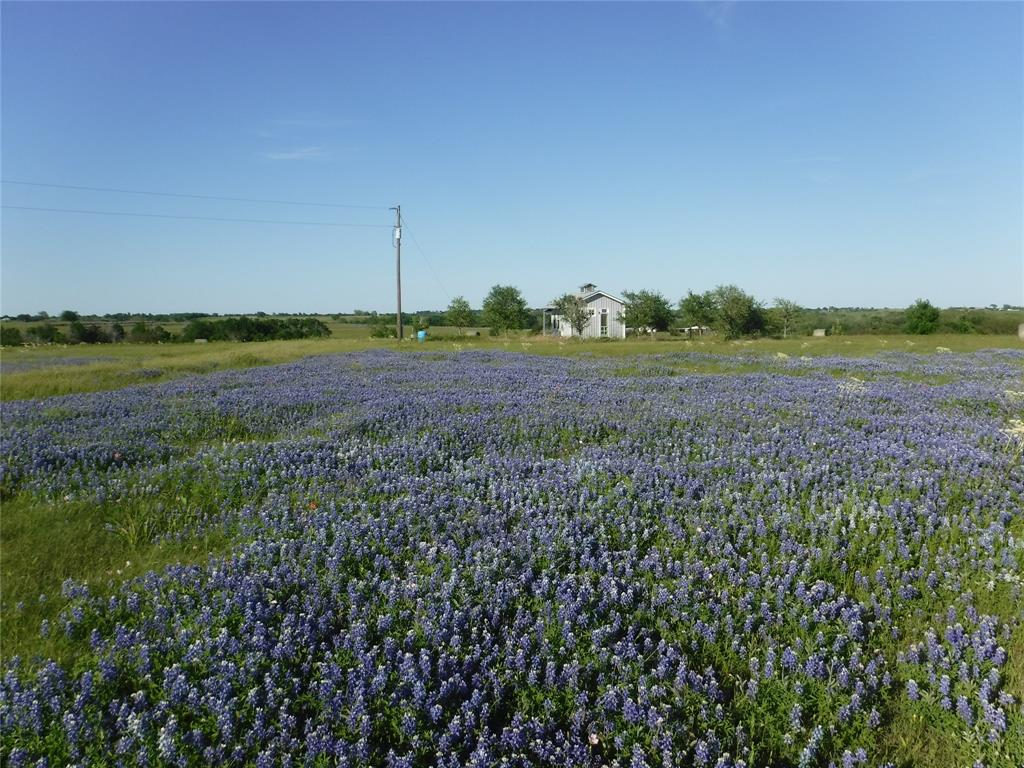 6522 Prihoda Road, Fayetteville, TX 78950