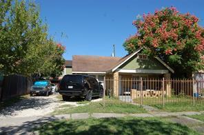 4741 pease street, houston, TX 77023