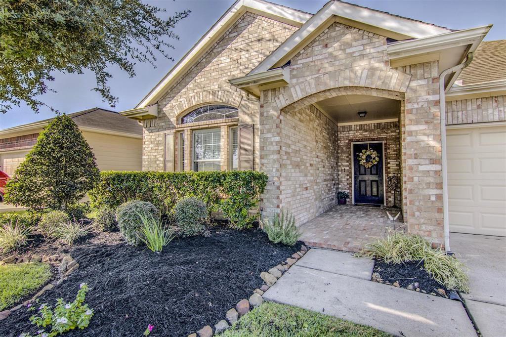 6907 Hazelnut Lane, Baytown, TX 77521