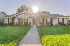 37 W Dansby Drive, Galveston, TX 77551