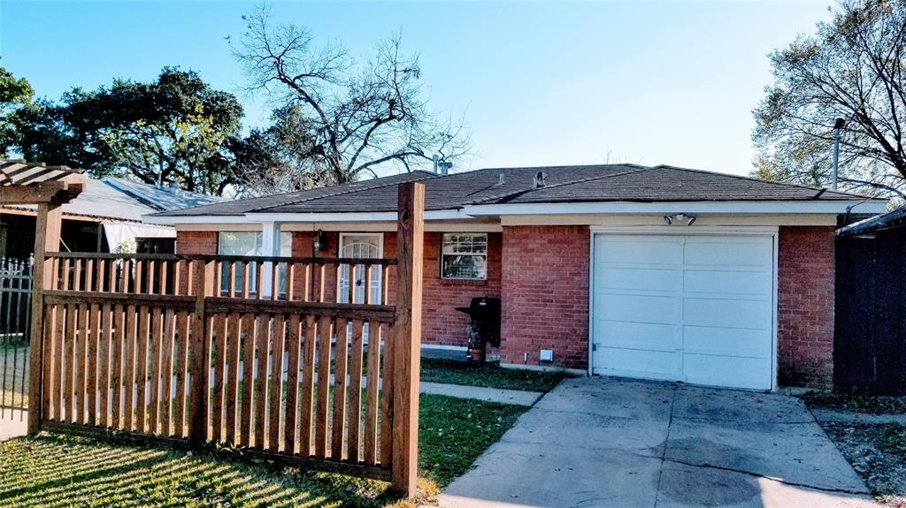7818 Avenue F, Houston, TX 77012