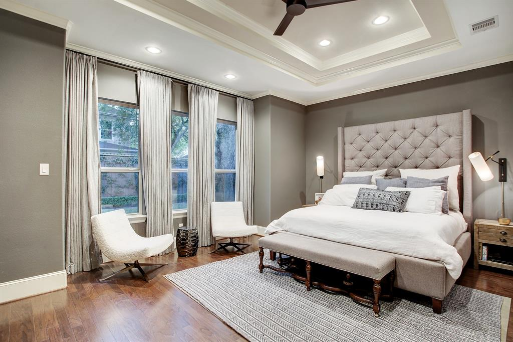 Sold 1717 Gardenia Drive Houston Tx 77018 4 Beds 3 Full Baths 1 Half Bath 830 000