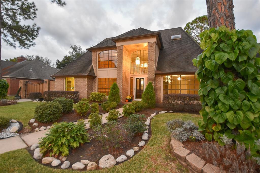 15635 Lake Lodge Drive, Houston, TX 77062