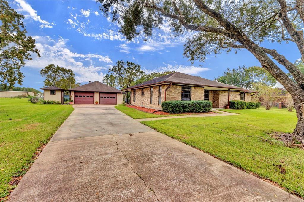 13816 Carolyn Street, Santa Fe, TX 77517