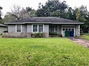 1104 Chevy Chase, Angleton, TX, 77515