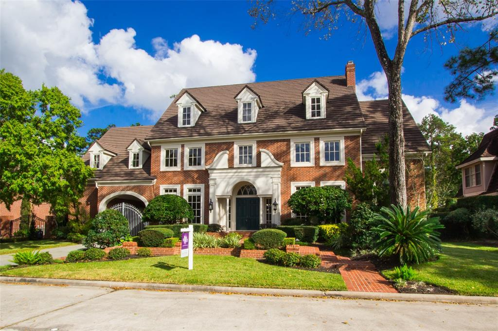 A brilliant extensively renovated Georgian style custom estate pool home that exudes luxury, superb craftsmanship, and fabulous entertaining with an incredible price tag. Centrally located between The Woodlands and Downtown Houston in the prestigious Northgate Golf & Country Club community. Features a grand 2 story 23' high entry w/dual staircase, gated entrance to motor court large enough to host an outdoor party, open chef's kitchen, huge butler pantry w/warming drawer,  TWO story library w/double fireplace & hidden closet, custom built-in cabinetry throughout, divine sconce lighting, a third staircase, spectacular wood and marble flooring through 1st floor, enormous master suite with a brand new renovated master en-suite w/2 water closets, 2 closets, a hidden closet, double sinks, and soaring ceiling with skylight! Outdoor space is private and features an beautiful pool, spa, outdoor kitchen pergola, tiered water fall, full house generator, and direct access to a pool half bath.