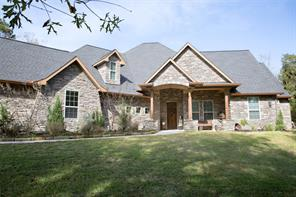 8955 Forest Lake Drive, Montgomery, TX 77316