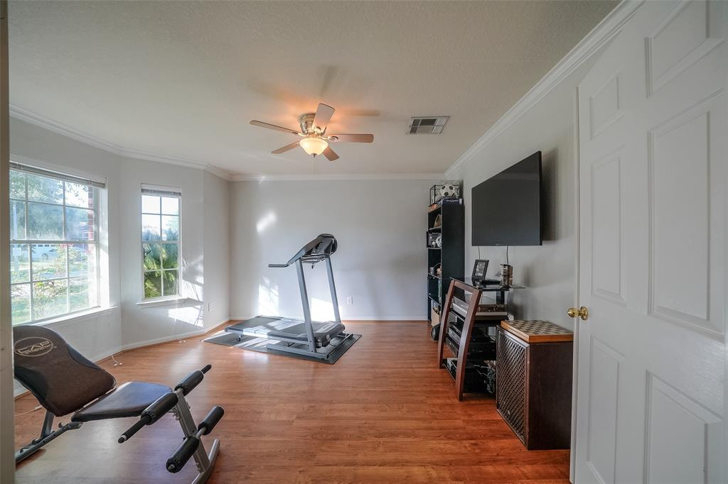 Very spacious and bright home Office or Game Room!