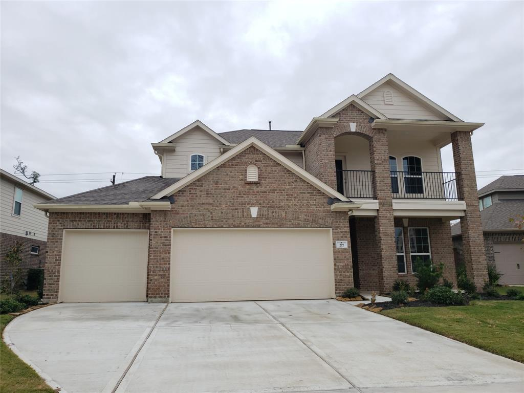 217 Meadow Ridge Way, Clute, TX 77531