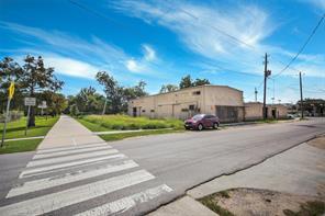 301 adams street, houston, TX 77011