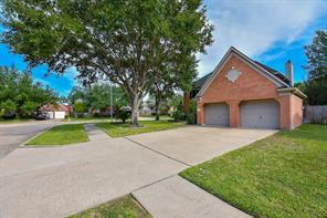 23203 Willow Pond