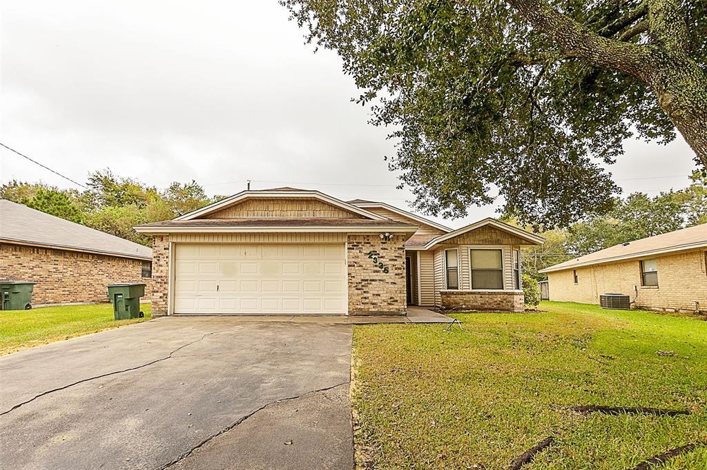 2325 Willowglen Drive, Beaumont, TX 77707