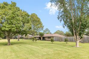 805 w edgewood drive, friendswood, TX 77546