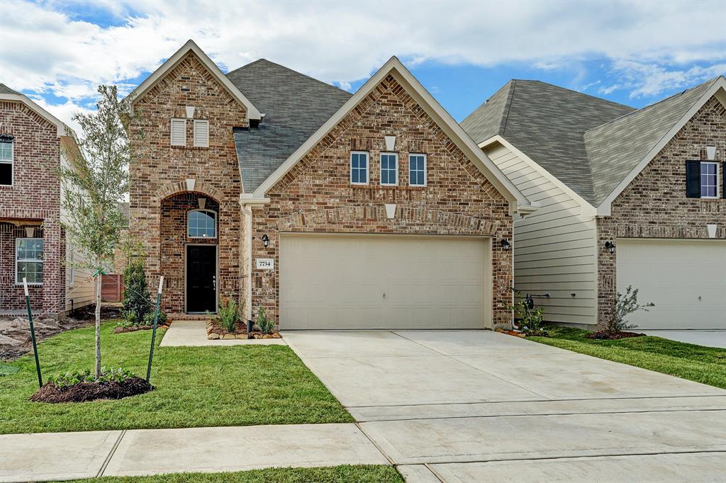 Beautiful two-story Newberry II home design features 4 bedrooms, 2.5 baths and 2 car garage. Maple cabinets in kitchen and all baths. Lovely kitchen has granite countertops with lowered bar top and a pantry. Offered by: K. Hovnanian of Houston Terra Del Sol, LLC.