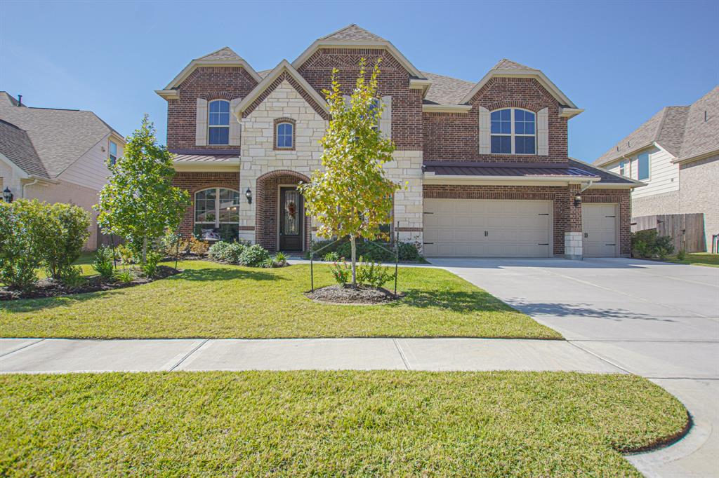 2746 Lake Shadow Drive, Conroe, TX 77385