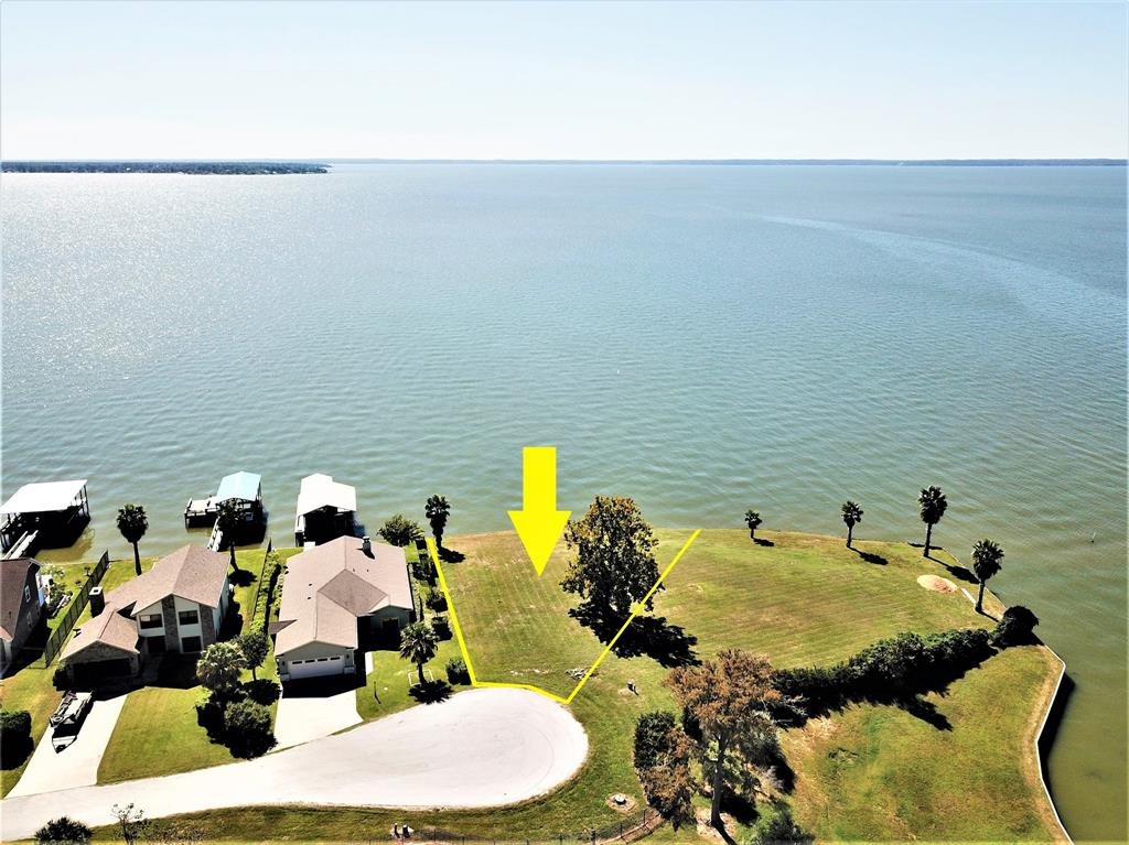 195 Treasure Point, Onalaska, TX 77360