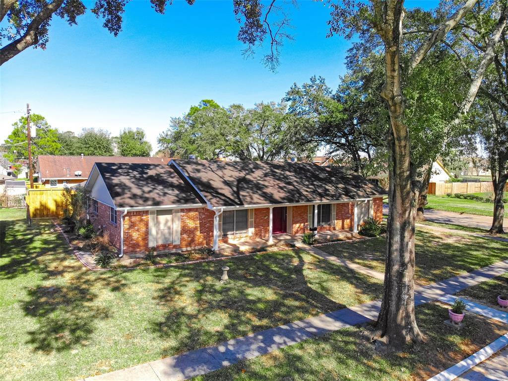 1308 Carpenter Avenue, Pasadena, TX 77502