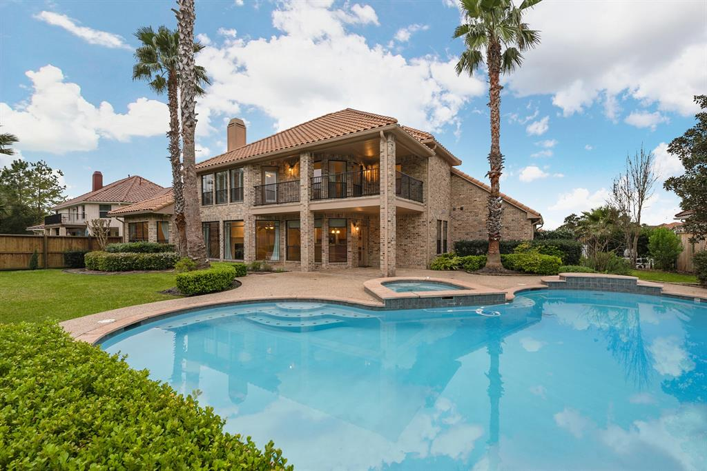 18615 Windsor Lakes Drive, Houston, TX 77094