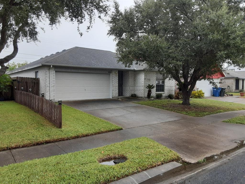 7614 Clearbrook Drive, Corpus Christi, TX 78413