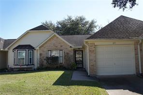 647 e country grove circle, pearland, TX 77584