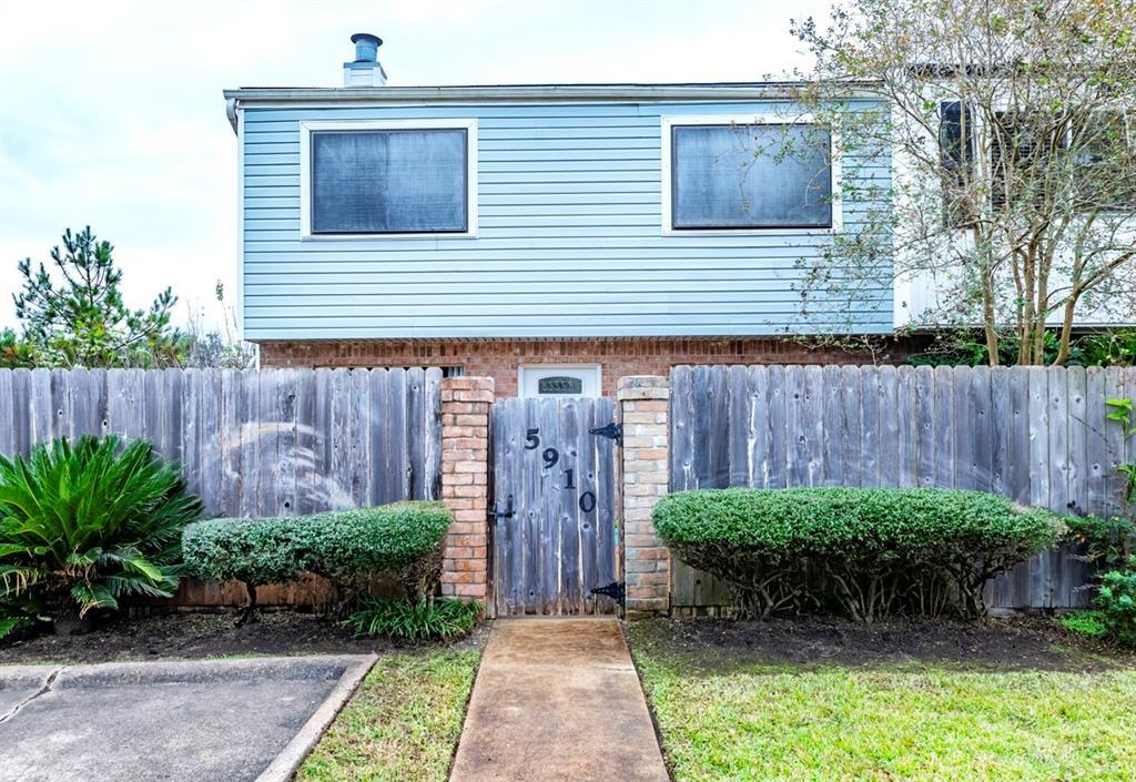 5910 Fairmeadow Street, Beaumont, TX 77707