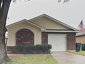 3238 kelling street, houston, TX 77045