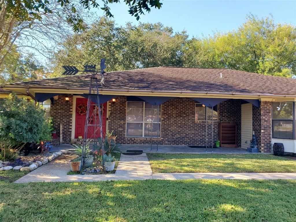 3918 Lance Street, Highlands, TX 77562