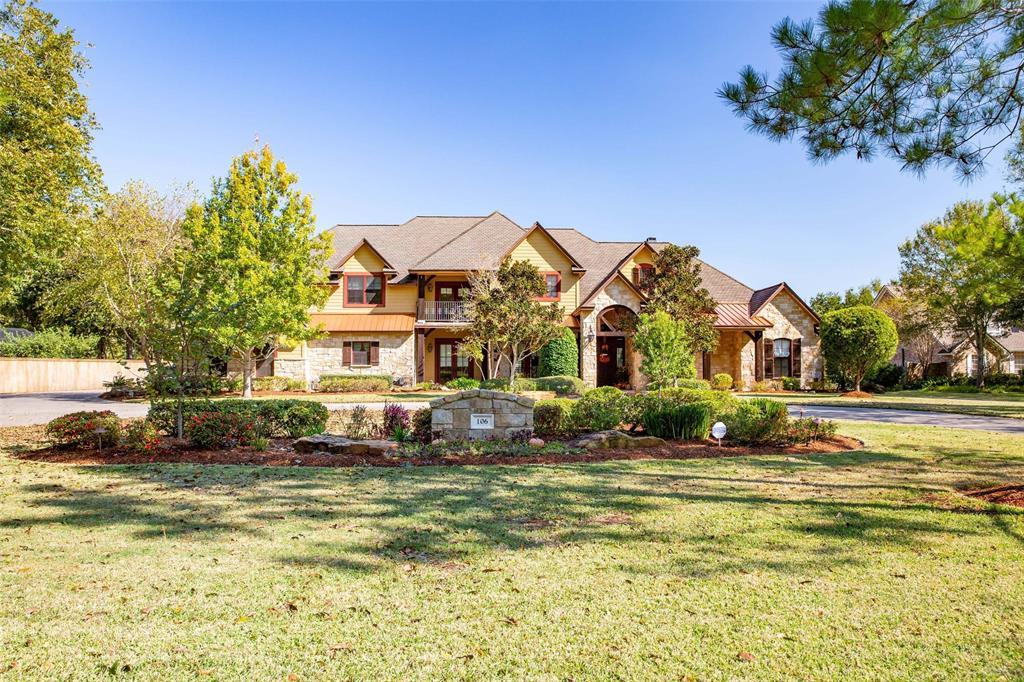 106 Rosewood Street, Lake Jackson, TX 77566