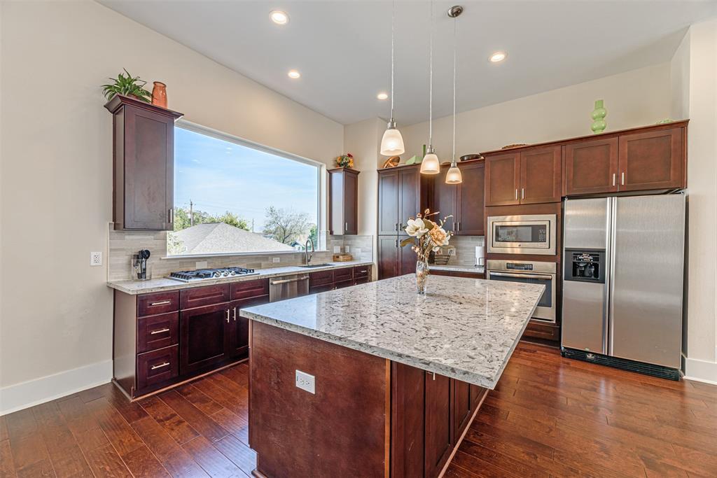 209 Burr Street B, Houston, TX 77011